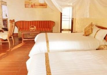 3 days mid luxury safari masai mara.